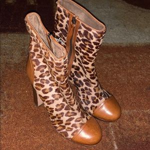 New Ugg Leopard Skin Boots